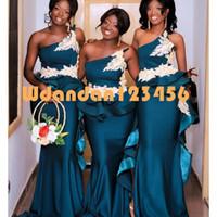 Artı Boyutu Afrika Mermaid Deniz Teal Gelinlik Modelleri Bir Omuz Dantel Aplikler Hizmetçi Onur Abiye Peplum Ruffles Düğün Parti Elbise Vestido