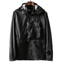Topstoney 2020 Konng Gonng Venta caliente Goggle Chaqueta con capucha Primavera y otoño Al aire libre Cortavientos Moda Marca Metal Nylon Coat