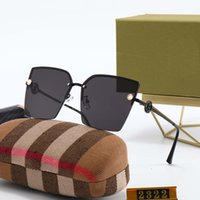 2322 جودة عالية جديد الصيف الأزياء خمر النظارات النساء العلامة التجارية مصممي إمرأة نظارات شمسية نظارات شمس مع الحالات لا مربع