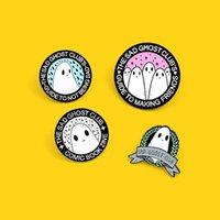 Pins, broches O triste ghost club 'star esmalte pino badge bonito e muticons emoticons Comlc livro broche animal jóias amigos presentes