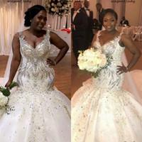Sparkly Meraid Plus Robes de mariée taille 2021 Perles de luxe Col V-Col V-Colf Africain Chapelle Nigériane Train Trompette Robe de mariée