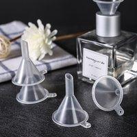 Portable transparent Mini Entonnoir Petit plastique Bottleneck Bouteilles d'emballage outil auxiliaire de cuisine Bar à manger Accessoires VT1779