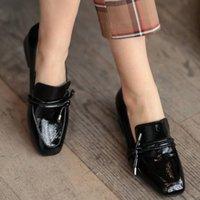 드레스 신발 Mio Gusto 브랜드 카트리나, 블랙 / 베이지, 부르고뉴 색상 고품질 짧은 힐 여성의 캐주얼 2021 디자이너