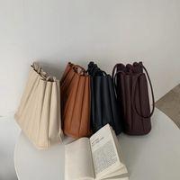 Сплошной цвет женской сумки женские плиссированные сумки Drawstring маленькие сумки дизайнерские органы Chic наборы Японии женские плечо