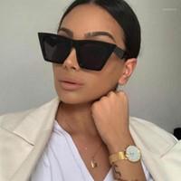 Femmes Big Cadre Shades Surdimers Sunglasses Square Marque Designer Vintage Hommes Mode Sun Lunettes UV4001