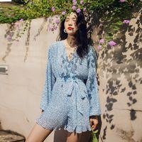 Сексуальная цветочная принт. Ruffled Женщины Синяя Широкая нога Короткий комбинезон 2020 Весенний Фонарь Рукав V-образным вырезом Sashes Chiffon Комбинезон T200704