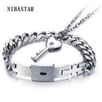Ohrringe Halskette 1 Set Paar Edelstahl Armreif Armband und Schlüsselanhänger Sets mit CZ Kristall modische Schmuck Gute Liebhaber Geschenke1