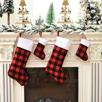 Bas de Noël rouge et noir Buffalo Plaid Cheminée Hanging Chaussettes de stockage Candy Bag vacances en famille Xmas Party Decoration HHA2006
