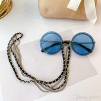 Yeni Renk Hotsale Kadın Güneş Gözlüğü Yuvarlak Çerçevesiz Zincir UV400 Kalite Metal Nefesli Deri Inci Zincir 50-22-140 Tam Kılıf Çıkış