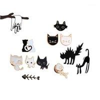 핀, 브로치 만화 블랙 화이트 커플 고양이 물고기 뼈 금속 에나멜 핀 브로치 숙녀 애호가 칼라 배낭 옷깃 바늘 동물 배지 jewe