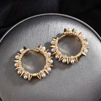 Nouveau mode Perle Punk Boucles d'oreilles Micro Zircon Couleur Or Rivets Steampunk boucles d'oreilles pour les femmes Aretes De Mujer 2020 Zk30