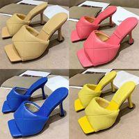 Classics Femmes Chaussures Sandals Fashion Plage Pantoufles De Fond Grèce Alphabet Lady Sandales Cuir High Heel Chaussures Chaussures Chaussures008 120104