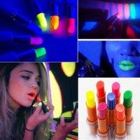 Party Decoratie Lichtgevende Lipstick Fluorescentie Lip Stick Glow in Dark for Stage Nightclubs Performance Club Bar Concert Makeup Rave Gunsten