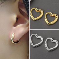 Orecchini di cartilagine coreana di Stud Colore argento a forma di cuore a forma di zircone di sicurezza per le donne Accessori moda1