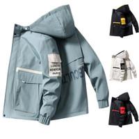 2020 Frühling und Herbst Kleidung Männer Jacke Outwear mit Kapuze wattierten Mantel dünnen Parka Herren-Hip Hop-Männer mit Kapuze Art und Weise druckte Jacke
