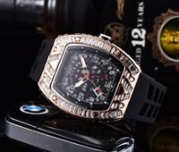 2021 해골 스포츠 시계 다이아몬드 남성 여성 쿼츠 시계 패션 시계 다이얼 상감 훈련 망시 쿼츠 시계 무료 배송 3A