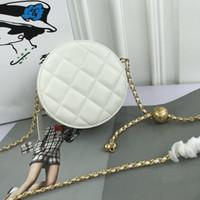 Nuevo estilo Venta caliente de alta calidad Pequeño bolso redondo, diseño superior elegante y hermosa bolsa de aleta, bolsa de cruz de cadena multifuncional