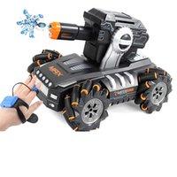 NEUES RC CAR 1:12 4WD RC Auto 2.4Hz Battle Game Tank startet Wasserbombe Geste Induktionsdrift RC Auto Kinderspielzeug