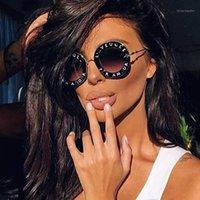 Sonnenbrille 45319 Brief Runde mit Biene für Frauen Metallrahmen CCSPACE LASSE Mode Weibliche Shades1