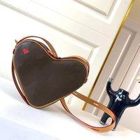 M57456 Koüke Mini Kırmızı Kalp Çanta 100% Gerçek Deri Kadın Tuval Kabartmalı Crossbody Akşam Omuz Çantası Çanta Cüzdan M45149