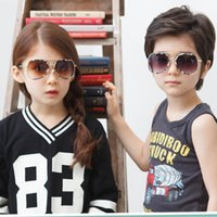 70 % OFF 다각형 위장 소녀와 소년 안경 다채로운 야생 금속 절반 프레임 새로운 모델 쇼 선글라스 055FD