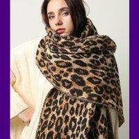 Design Inverno Sciarpa di spessore per le donne Coperta Tassel Lady Shawls e Wrap Animal Leopard Stampa Cashmere Sciarpe di cashmere Pashmina Foulard Y200104