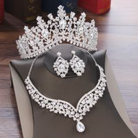 Juegos de joyería de gota de agua de cristal barroco Sets de joyería de Rhinestone Tiaras Pendientes de collar de corona para novia Conjunto de joyería Dubai