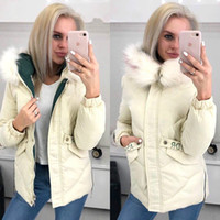 Mit Kapuze Winter-Frauen-Jacken-Mantel Warm Fashion Solid Zipper Cotton Frauen Parkas 2020 weiße kurze Damen Jacken Outwear CDR2337 T200930