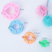 Vendita calda 1 Set 4 Dimensioni Pompon Maker Fluff Ball Weaver Ago Ago Lavorato a maglia Craft Tool DIY YARN KIT1