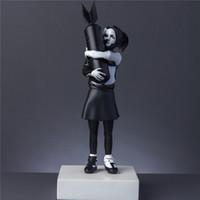 الفن الحديث فاخر 32CM أبيض / أسود جديد قنبلة مضيعة نعالها بانكسي قنبلة فتاة شارع الفن الراتنج تمثال الإبداعية الرئيسية هدايا سطح المكتب ديكور