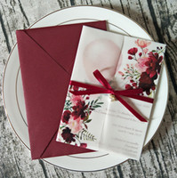 NUEVO BURGUNDY Impresión personalizada Invitación de boda translúcida con Rhinestone Ribbon y Perla Sobre DIY Velum Wrap Quinceañera Tarjetas