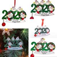 Madera Feliz Navidad Ornamentos 2020 Nombre Máscara Bola roja de Santa Claus Familia de bricolaje colgante decoración de exteriores Ahorcamientos 6 8xf G2