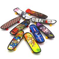Мини-Skate интернатов Творческого Граффити Скейтборда Finger Пластиковой Накладка запястье рука рука палец Упражнение игрушка 9.5cm Детских подарки