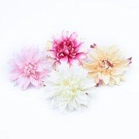 50/100 Stück Künstliche Blume Scrapbooking Blume Wand Weihnachtsdekorationen für Home Hochzeit Auto Seide Gänseblümchen DIY Geschenke Boxes1