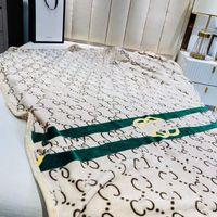 Sıcak Klasik Desen Yumuşak Tam Atmak Flanel Polar Battaniye Büyük Boy 150x200 cm C Stil Logo Seyahat için Ev Ofis Nap Battaniye Ücretsiz Kargo