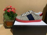 Топ 2021 Лучшее качество Полоса для новых дизайнерских Обувь Ace Вышитые Мужские Реальные Кожа Дизайнерские Кроссовки Женщина Человек Повседневная Туз Обувь