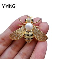 Yying White Freshwater Pearl Cubic Zirconia Micro Pave Bee Broche Broche Animal Para Mujeres 201009