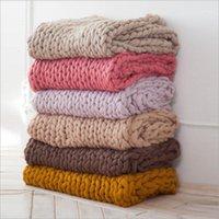 Cobertores acrílicos de malha grosseira mão cobertor tecelagem adereços multicoloridos de lã áspero outono e inverno sofá 1