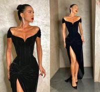 Zwart fluwelen elegante een schouder lange avondjurken 2021 sexy side spleet rok Arabische prom feestjes Dubai vrouwen lange formele jurken
