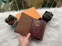 Luxury Designer Marca Mulheres Carteiras de Couro Capa de Passaporte Marca Titular do Cartão de Crédito Homens Business Passport Holder Carteira Carteira Masculina A1