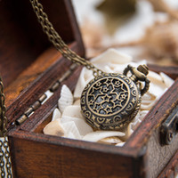Nouveau Petit Lucky Star Pocket Watch Quartz 27mm Collier Vintage Accessoires Vente en gros Coréen Sweater Chaîne Mode Montre suspendue