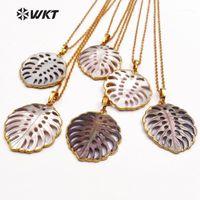 Pendentif Colliers WT-JN027 WKT en gros Colliers à coquillages naturels, Pendentifs en forme de feuille de mode avec chaînes de couleurs d'or Femmes bijoux cadeau1