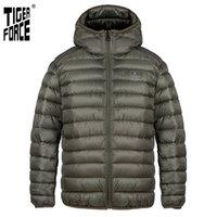 Force de tigre Nouvelle veste d'hiver pour hommes Casual de haute qualité marque de la marque de vêtements de la mode masculine Homme Hommes Coat Parkas 70712 210203