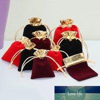 10pcs / lot Multi Size Coloful Pouches velours Bijoux Emballage Emballage de Noël Afficher coulissée cadeau de mariage Sacs Pochettes