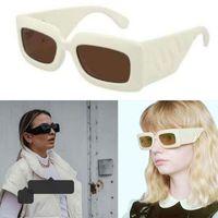 2021ss Yeni Bayan Kalın Sac Güneş Gözlüğü Kadın Tasarımcı Güneş Gözlüğü Kare Plaka Çerçeve Bacaklar Basit Moda Stil UV400 Gözlük 0811 Kutusu Ile