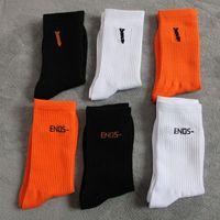 2021 Calzini da uomo Chaussettes Moda uomo Donne calza calza biancheria intima lettera stampata calze skateboard sport calze calze