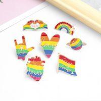 Forma Rainbow Flag Cuore Spille Stella LGBT Orgoglio Gay Lesbian smalto Pins fumetto creativo colorati monili distintivi metallici Bag Denim Pin regalo