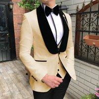 Un bottone Men Suits Beige e Black Groom Smokedos Shawl Velvet Groomsmen Wedding (Giacca + Pantaloni + Vest + Papillon) D260