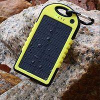 Universal Carregador Portátil Solar banco de potência carregador de bateria à prova de água com lanterna LED Carregador portátil externo para todos os celulares