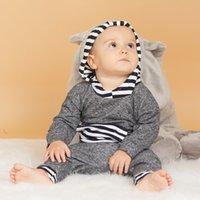 Patpat otoño e invierno newborn nuevo ocasional del algodón diseño de la raya de manga larga con capucha y pantalones de traje del bebé de arrastre Y1105 Traje